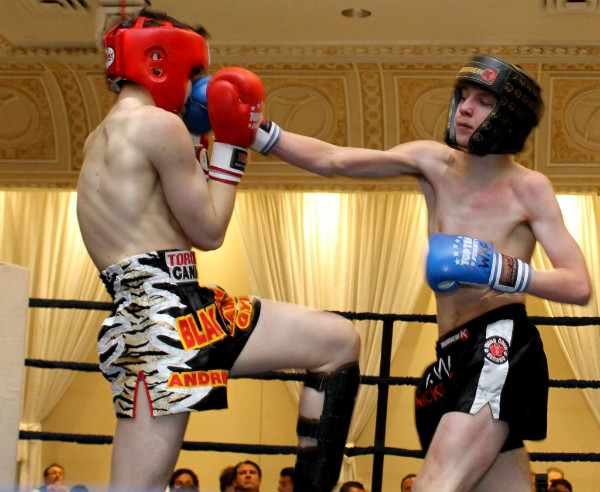twin_dragon_east_kickboxing_fight_night_3_011_a.jpg